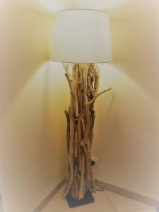 Lampe En Bois Flotte Marteau Cie